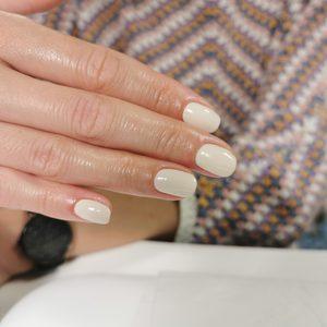 Mia Bella - Manicure hybrydowy
