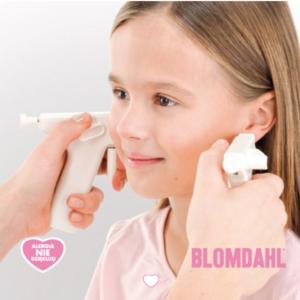Mia Bella - Przekłuwanie 2 uszu jednocześnie