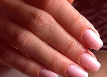 Manicure Me! Stylizacja paznokci i Lifting rzęs