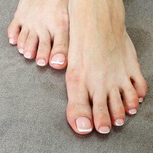 Ciao Bella - Pedicure kosmetyczny SPA (pielęgnacja paznokci i opracowanie podeszwy)