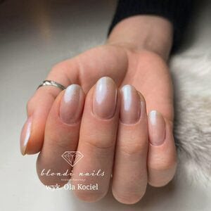Blondi Nails - Manicure hybrydowy