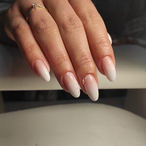 Crystal Nails - Przedłużanie  paznokci